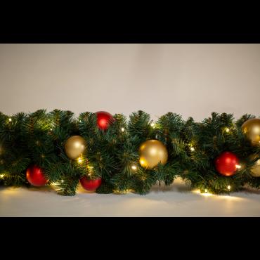 Kunst garlander 30x600cm 200L compleet lampen en kerstballen